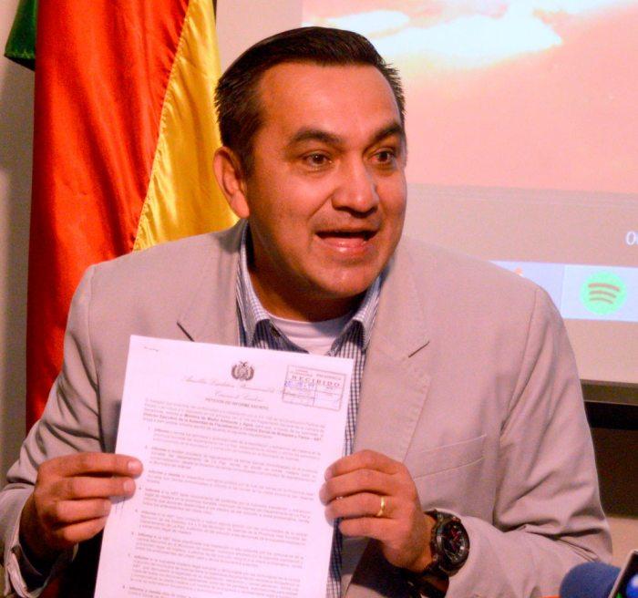 Senador denuncia millonarias coimas de española Corsán Corviam para cerrar contratos con el Estado boliviano