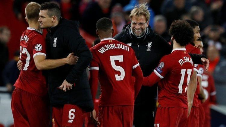 Salah, Mané y Van Dijk forman parte de la base de su sorprendente Liverpool (REUTERS)