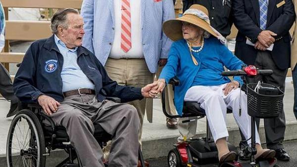 Hospitalizan a George HW Bush