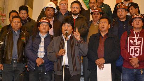 El presidente Evo Morales y la COB informan el miércoles 25 sobre el incremento salarial. Foto:ABI
