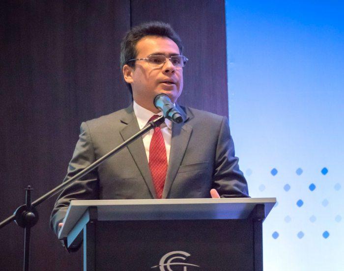 Carlos Prieto.