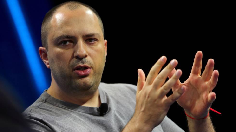 El jefe de WhatsApp renuncia debido a sus desacuerdos con Facebook