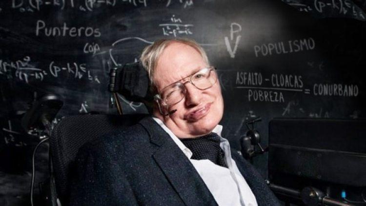 Hawking murió el 14 de marzo en Cambridge (Inglaterra), luego desufrir desde 1964 una enfermedad neurodegenerativa que le dejó inmóvil y le obligaba a comunicarse medianteun sintetizador de voz