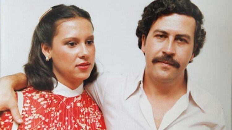 María Victoria Henao aprendió a vivir soportando las largas ausencias de su marido, que empezaba a manejar el negocio de la droga junto a su primo Gustavo y desaparecía durante semanas