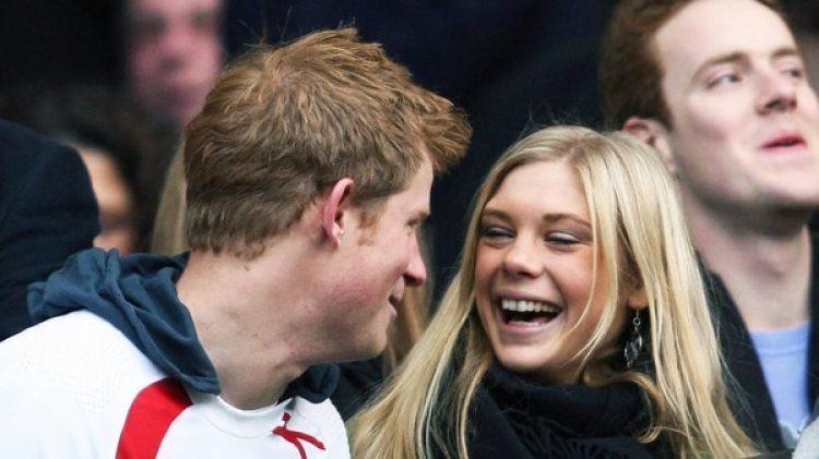 El príncipe Harry mantuvo una relación llena dl altibajos con la millonaria Chelsy Davy (AFP)