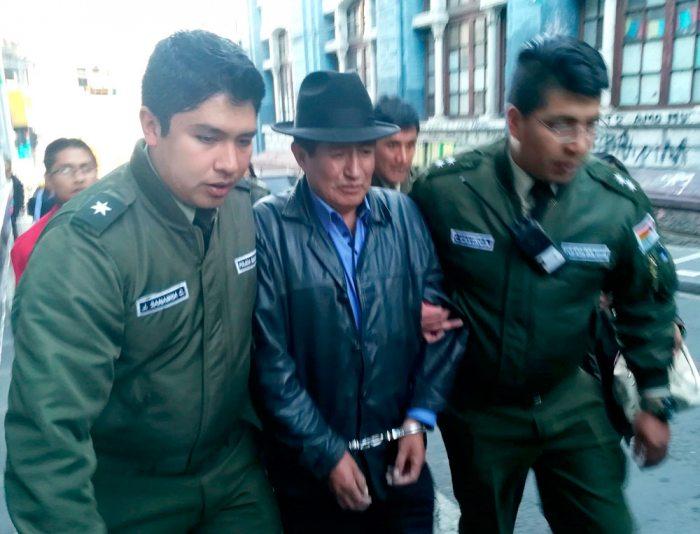 EL LEGISLADOR CUANDO ERA TRASLADADO POR LA POLICÍA.
