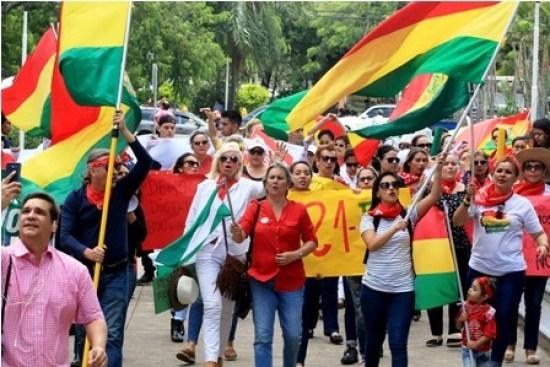Protestas-en-defensa-del-21F-en-Santa-Cruz-y-La-Paz