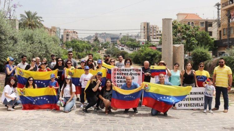 Venezolanos se manifiestan en el Líbano (Twitter: @JeberBarreto)