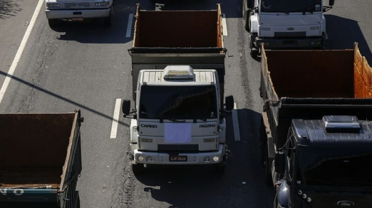 Pese a las protestas, Petrobras anunció una nueva alza del 0,97 % en los precios del diésel (AFP)