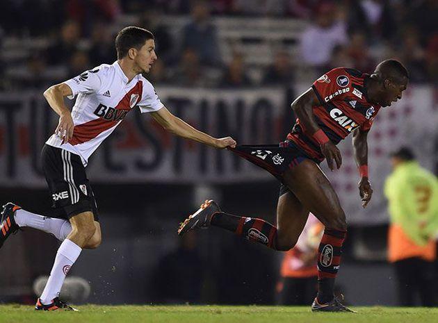River Plate empató ante Flamengo y clasificó primero