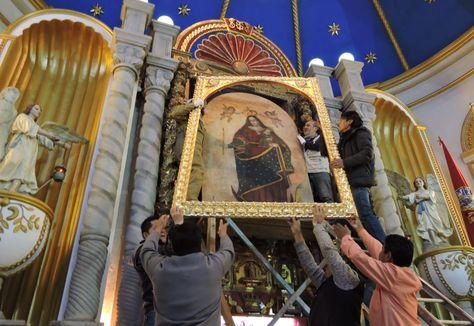 Colocado del vidrio de seguridad en la Iglesia del Socavón.