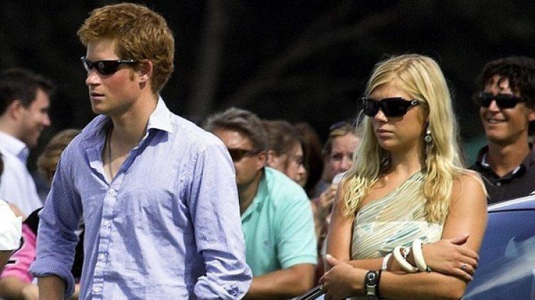 Para Chelsea no fue fácil soportar el escrutinio de los medios durante su noviazgo con Harry