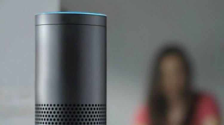 Amazon Echograbó las conversacionesde un matrimonio y las envió a uno de sus contactos.