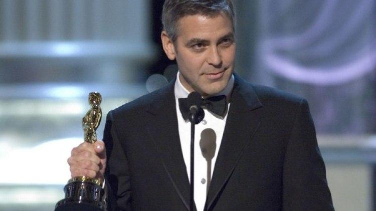 """George Clooney ganó su primer Oscar en 2006 por su papel en """"Syriana"""""""