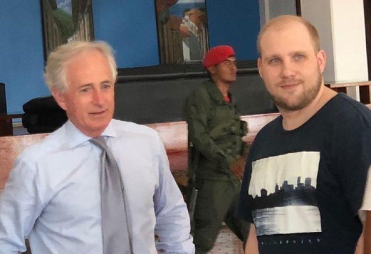 Joshua Holt, antes de partir de Caracas hacia Washington