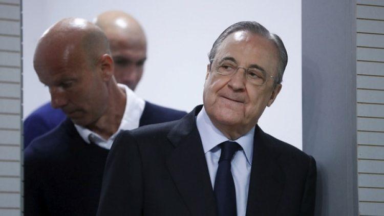 Florentino Pérez deberá salir a la búsqueda de un entrenador para reemplazar a Zinedine Zidane (Reuters)