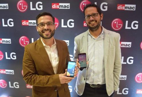 Humberto Oroza, Gerente Comercial de Brighstar, representantes para LG en Bolivia y Sergio Camacho, Gerente Comercial de Dismac.