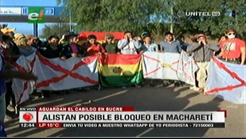 Universitarios mantienen vigilia en Macharetí, no descartan nuevo bloqueo