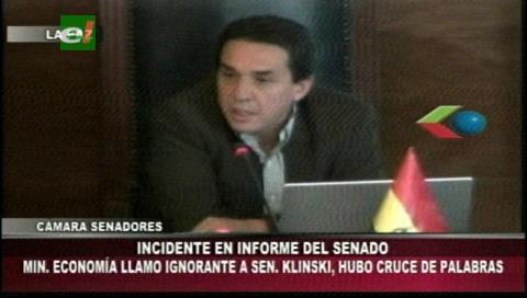 """Ministro llama """"ignorante"""" a un senador y desata discusión entre Gonzales y Ortiz"""