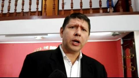 Diputado advierte que si Evo quiere repostularse lo «desalojarán» y «sacarán» de Palacio