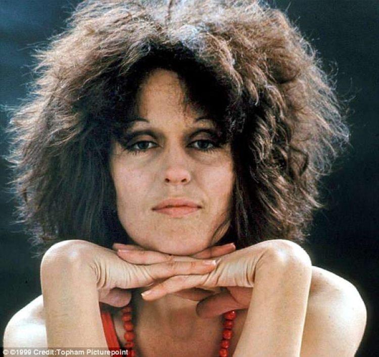 Germaine Greer en 1970, dos años después haber sido violada