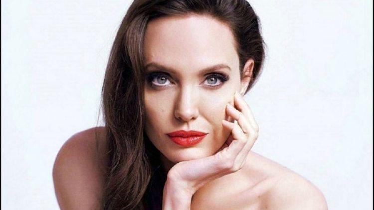 Angelina Jolie nació el 4 de junio de 1975