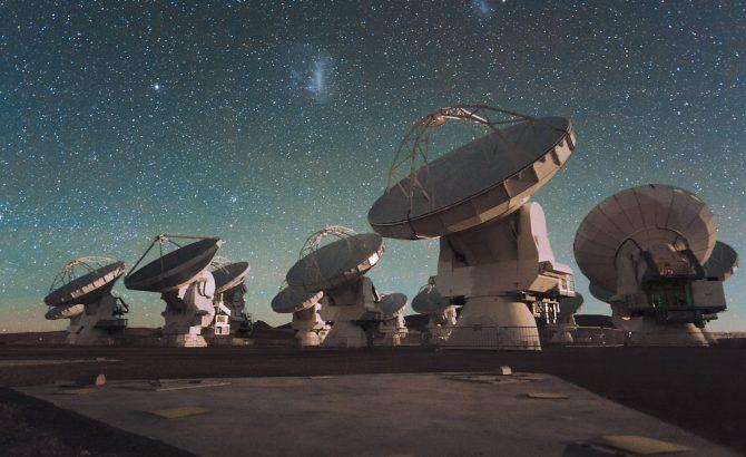El telescopio ALMA descubre por primera vez tres planetas recién formados