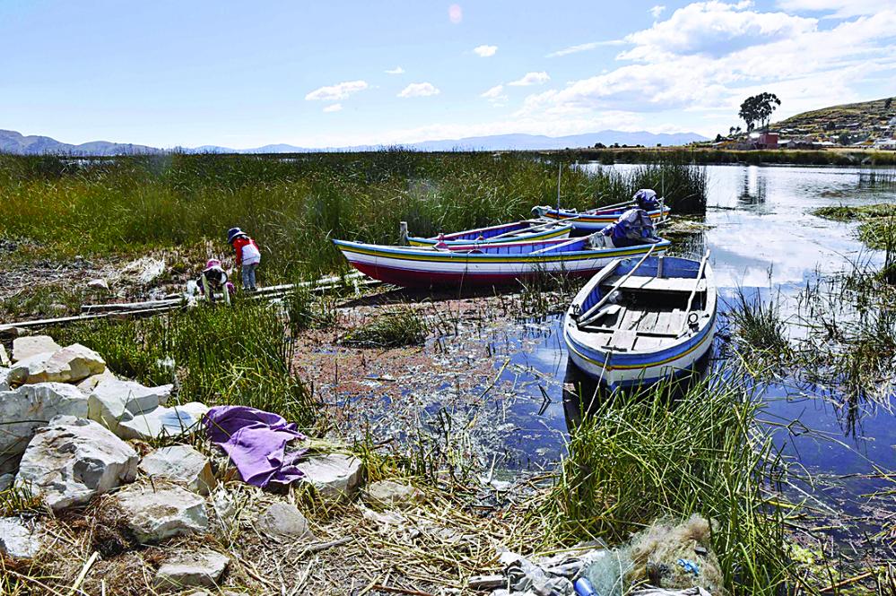 Francia pone los ojos en el Titicaca contra la contaminación