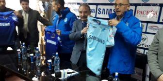 Arias se muestra optimista a un mes de la Copa