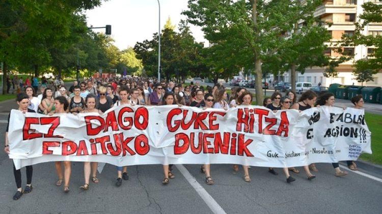 Miles de personas salieron a protestar en todo el país (AFP)