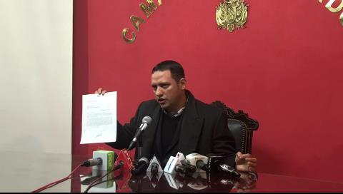 """Admiten denuncia de diputado Dorado contra el gerente de la CNS por """"caso tomógrafo"""""""