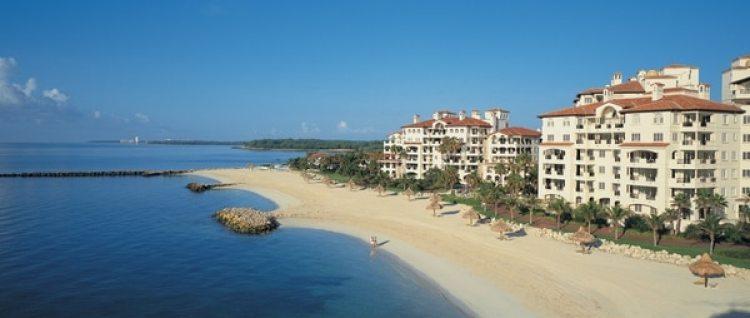 Los investigadores federales registraron el penthouse de Gignac en Fisher Island, un vecindario de lujo en Miami Beach.