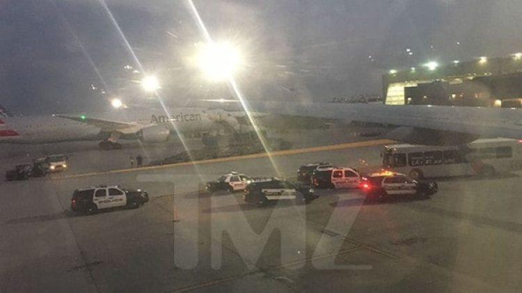 El momento de la detención en el aeropuerto de Los Ángeles