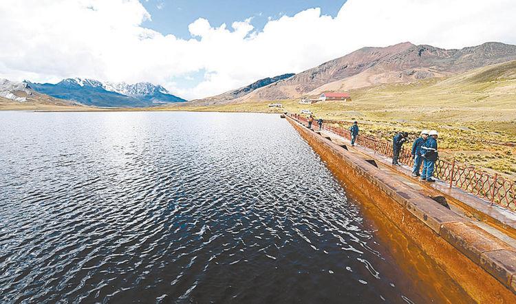 Milluni. Las lluvias aportaron con el 80% y los nevados con el 20% en el embalse que está en territorio de El Alto. Foto: Wara Vargas
