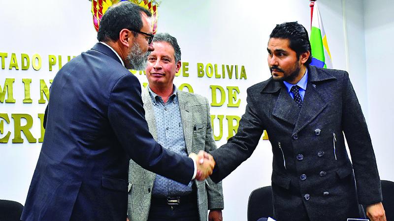 Abogados chilenos y de Bolivia se enviaban correos amistosos