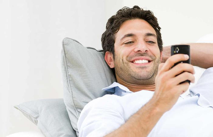 Mensajes de un hombre desesperado cuando solo quiere tener intimidad