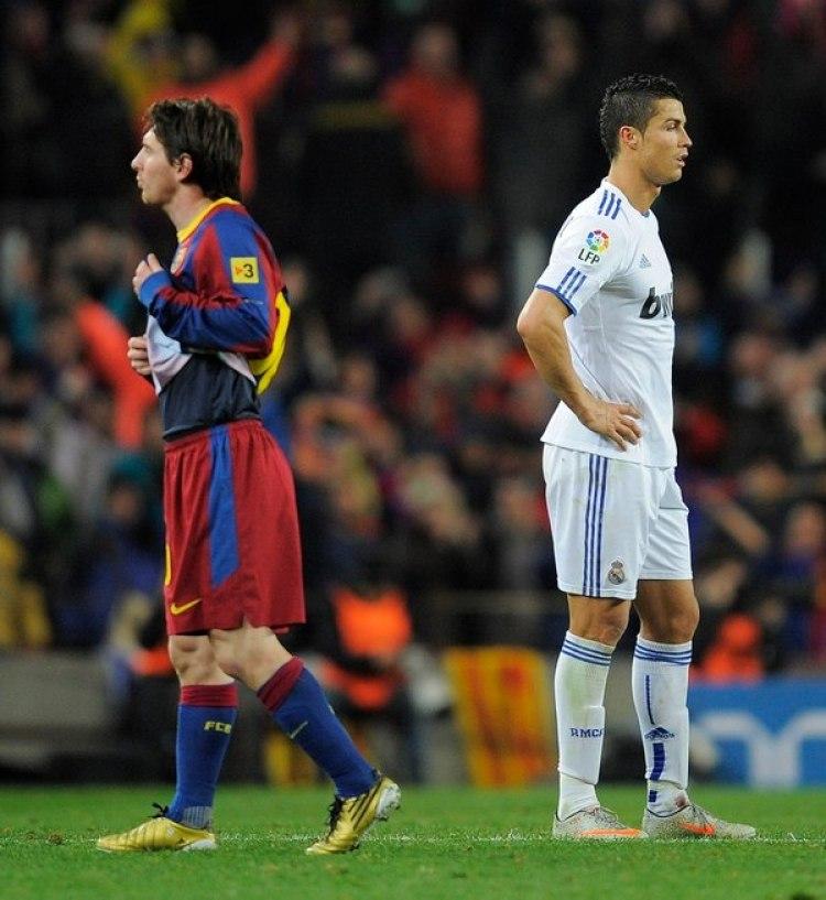 Messi y Cristiano durante un clásico español en 2010(David Ramos/Getty Images)