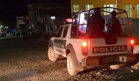 Policías durante un patrullaje