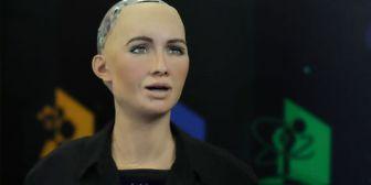 La directora de la Unesco pide un debate global sobre inteligencia artificial