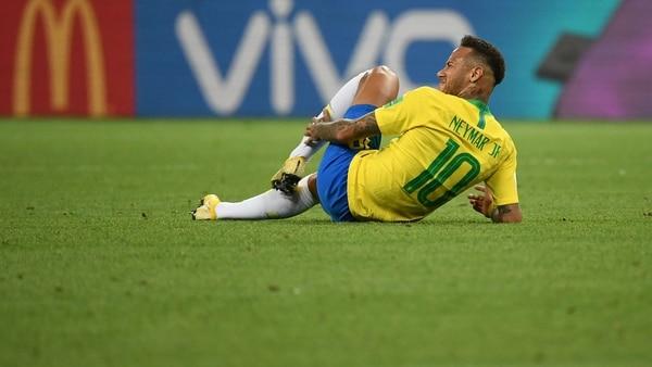 La reacción de Neymar ante las burlas que destruyeron su imagen y preocupan a su entorno