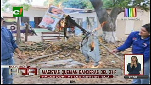 Masistas queman la bandera del 21-F de las plataformas ciudadanas