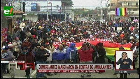 Comerciantes marcharon en contra de vendedores ambulantes
