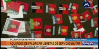 Aprehenden a tres falsificadores de libretas de servicio militar en Cochabamba