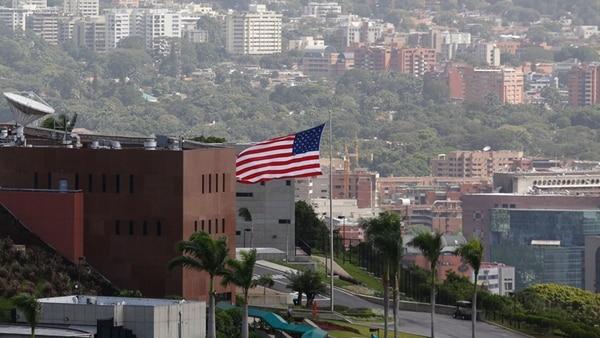 COLOMBIA: Presidente niega participación en