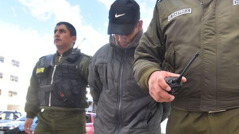 El exteniente Roberto Juan De Dios Ortiz Blanco en dependencias policiales.