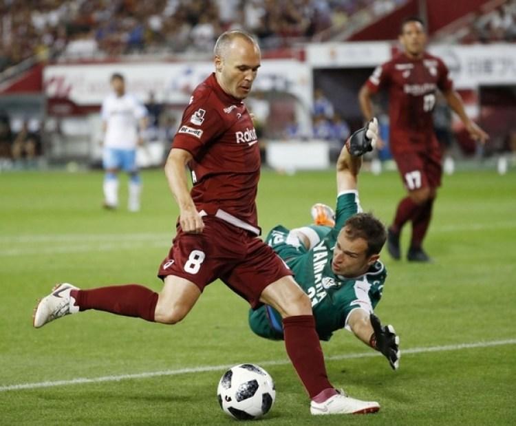 (Reuters) Andrés Iniesta marcó en la victorial del Vissel Kobe