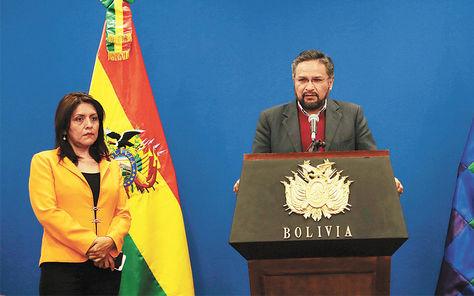 Acto. Rada estrena la nueva sala de prensa de la Casa Grande del Pueblo.