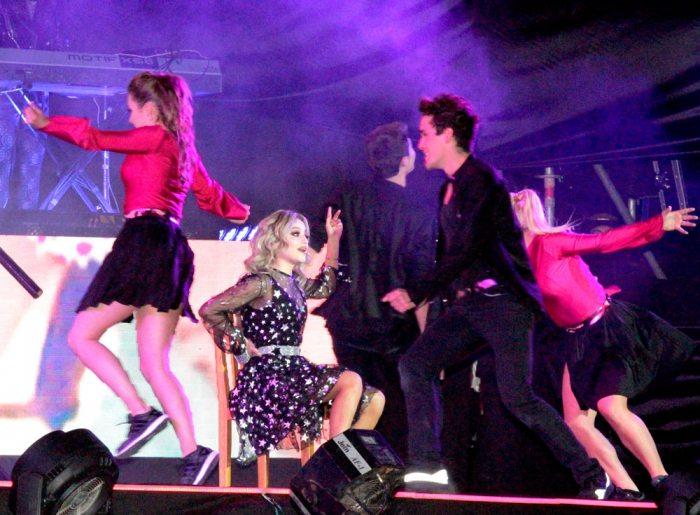 Luna sufrió una aparatosa caída y no pudo continuar el show en La Paz