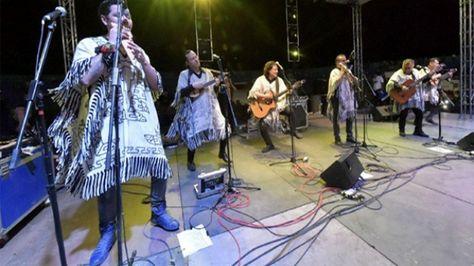 Los Kjarkas fue uno de los grupos que amenizó el festejo por el récord de Evo Morales en el poder