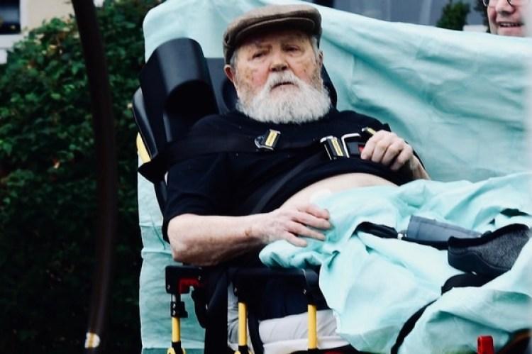 El ex miembro de las SS Jakiv Palij, siendo removido de su hogar en Queens y deportado a los 95 años a Alemania